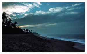 Tangalle Sunrise #3 by Roger-Wilco-66