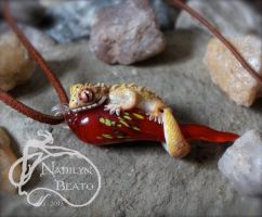 Crested Gecko Pendant by NadilynBeato