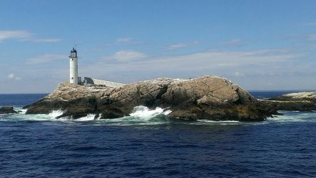 Lighthouse, Isle of Shoals by wagn18