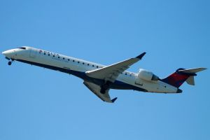 Delta Connection CRJ7 by tdogg115