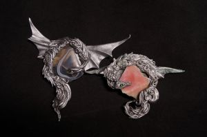 pair of dragon pendant by kessan