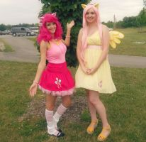 Pinkie and Fluttershy Cosplay by EricaMeow