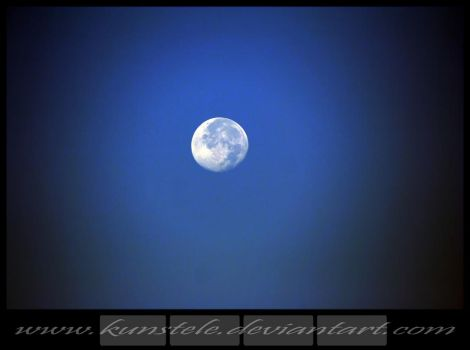 Let the moon on me by KunstEle