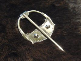 Viking pennanular brooch II by Aranglinn
