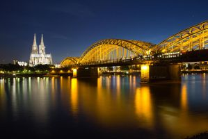 Cologne at night by Sockrattes