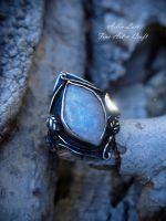 Glinting Radiance silver ring with moonstone by Gwillieth