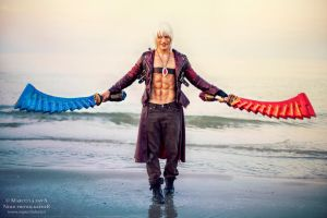Bring it ON - Dante (DMC 3) Cosplay by Leon Chiro by LeonChiroCosplayArt