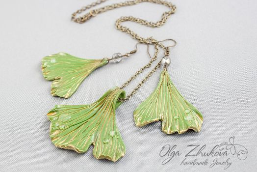 Pendant and earrings with leaves of ginkgo biloba by polyflowers