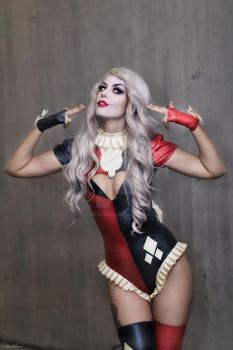 Harley Quinn by ZOMBIEBITME