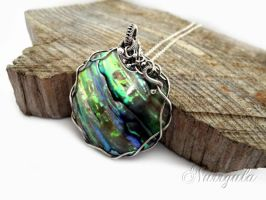 Paua Shell Silver necklace, aurora borealis shades by nurrgula