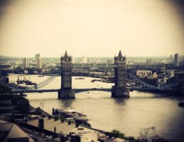 Tower Bridge by burthefly