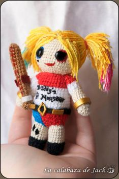 Harley Quinn Amigurumi (Suicide Squad) by cristell15