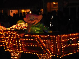 Main Street Electrical Parade: Dopey by FlowerPhantom