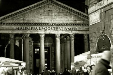 Via del Pantheon by TinkerSally