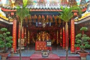 Malaysian Temple by Nergling