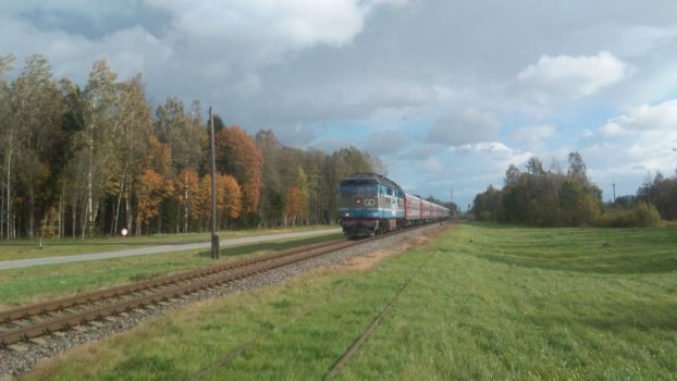 GO Rail TEP-70 0320 near a railway crossing by Joonas08Joonas