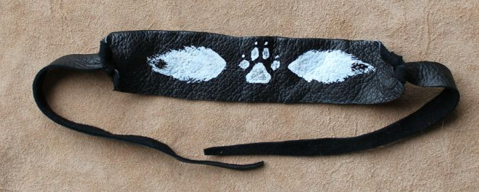 Painted wolf bracelet by lupagreenwolf