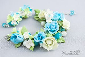 Set of jewelery with the flowers of polymer clay by polyflowers