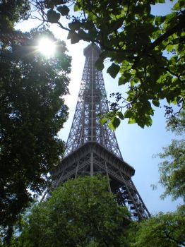 Eiffel Tower II by zda369