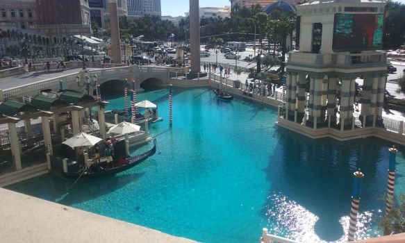 The Venice canal in Vegas. by DJ-rainbine