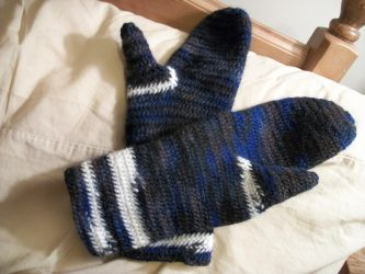 Blue Stripey Mittens by Flashgriffin