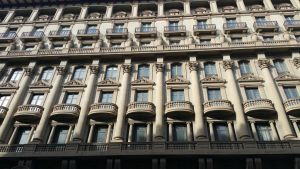 Barcelona building by NeitleyW