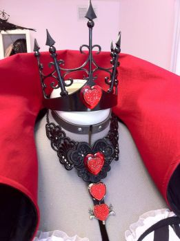 Angelina Durless Crown and Necklace by Firefly-Path