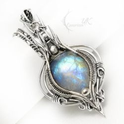 AELTRIEELH Silver and Rainbow Moonstone by LUNARIEEN