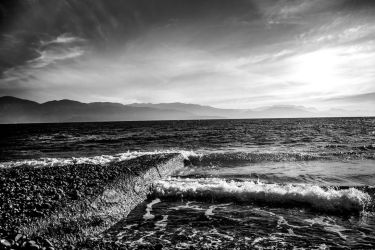 Morning Waves by Parachromal