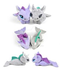 Kelpie and Hippcampus Plushies by SewDesuNe