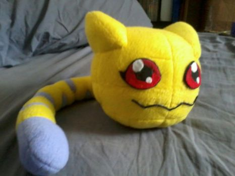 Nyaromon Plush by LaloRiolu