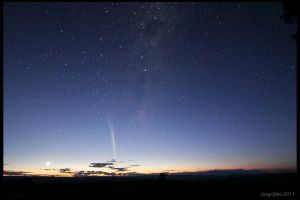 Comet Lovejoy by CapturingTheNight