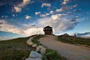 Cement Ridge Fire Lookout by Corvidae65