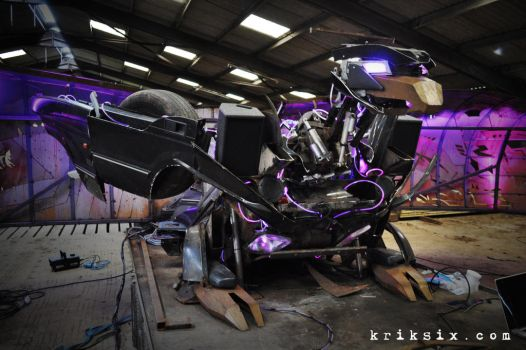 Buzzbeak - Land Rover Transformer by kriksix