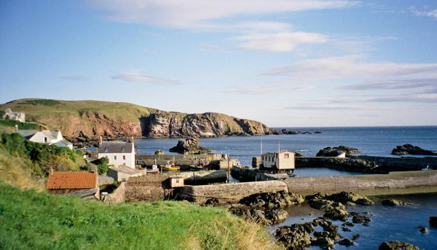 St Abbs by tom1garry