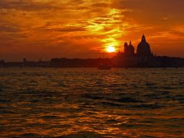 Sunset in Venice by Roji-Hachi