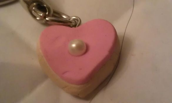 Heart-shaped sugar cookie! by ZombieCharms