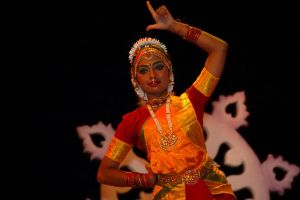 Indian Dance VI by esee