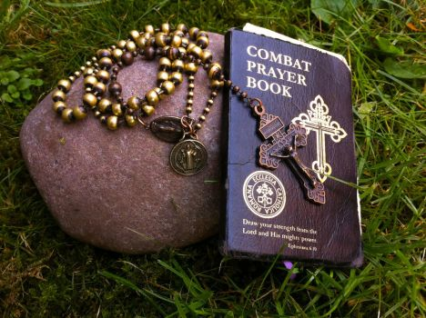 Combat Rosary by Dewfooter
