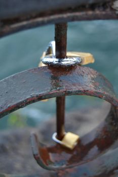 Niagara Falls Locks by petralfire