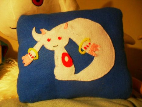 Kyubey Pillow by 1Meh1