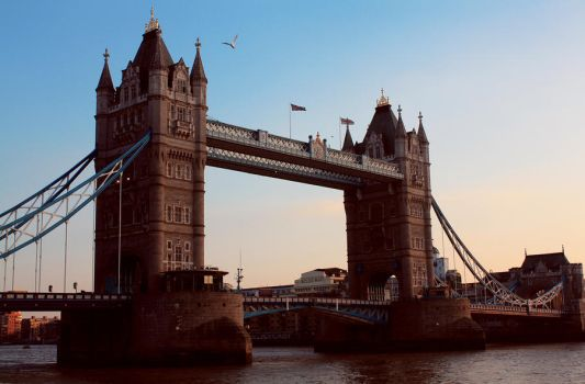 London Bridge by distasty