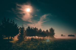 Rays of moonlight by HendrikMandla