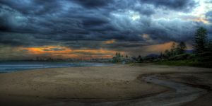 Thirroul, New South Wales by RichardjJones