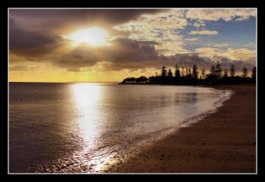 Redcliffe Dawn by 2Stupid2Duck