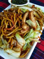 fried noodles by livzie