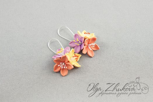 Earrings with lily flowers by polyflowers