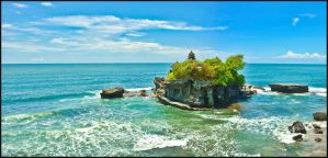Tanah Lot Temple by partoftime