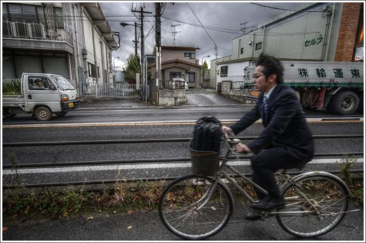 Matsushima's cyclist by Graphylight
