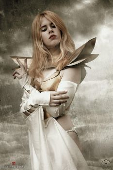 Emma Frost - Against me by FioreSofen